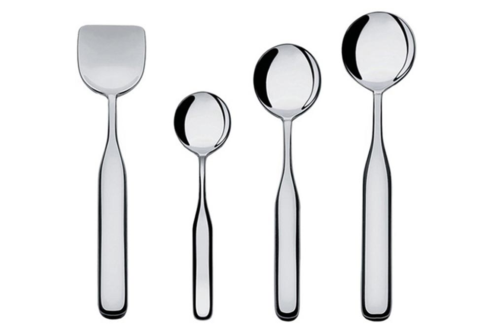 Everybody has his spoon: various sizes are available.