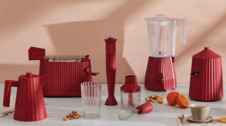 Plissè by Alessi, the art of cooking in designer pleating