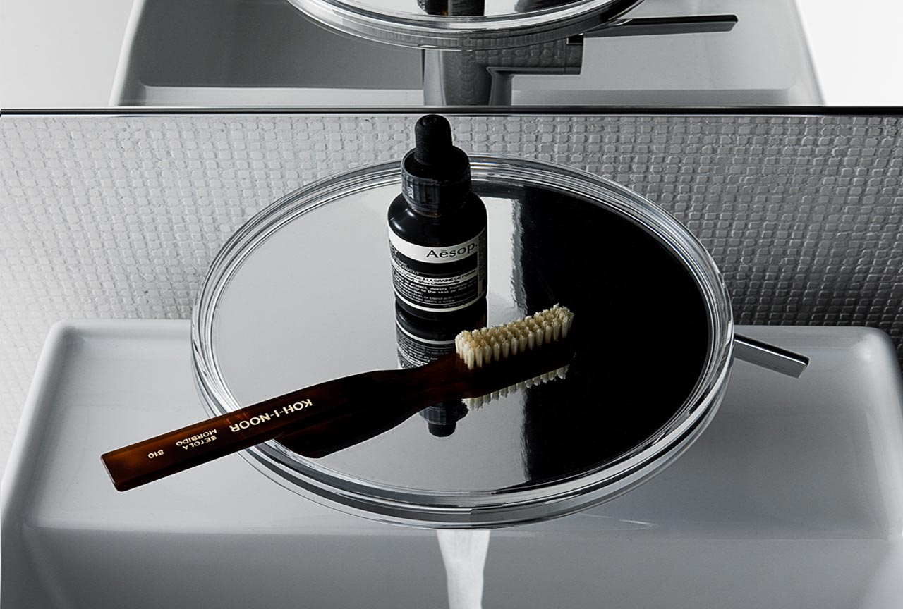 Kartell by Laufen introduces the mixer tap/tray
