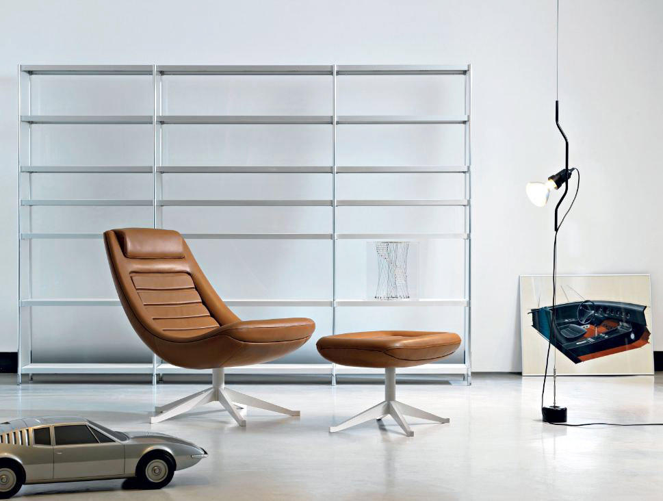 Manzù is the rendition of an iconic piece by one of the main car designers from the 60s. The armchair, clearly inspired by cars, is the result of an ergonomic research aimed at combining...