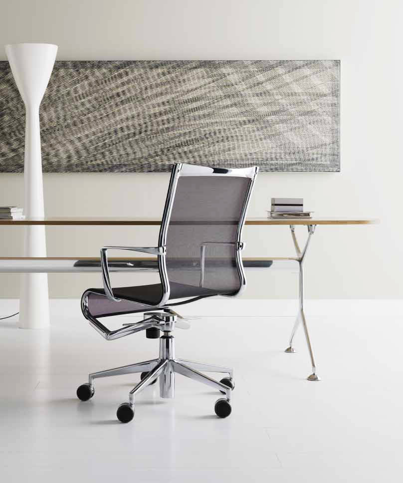 Small armchair, part of a rich collection of seats for the home or the office made of aluminium and PVC weave. With its light and stark shape, rollingframe+ offers the best requisites in...