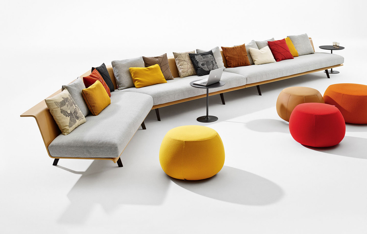 Zinta is a system of modular elements which can be endlessly combined. The options for combination range from a simple living room sofa to a collective seat in a wide public space.
