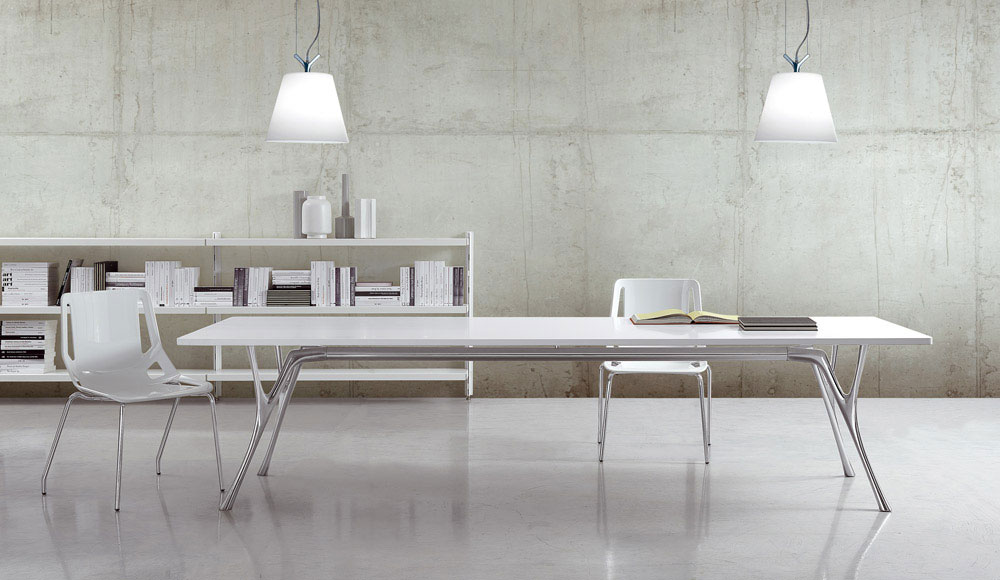 pegaso solid table by caimi brevetti
