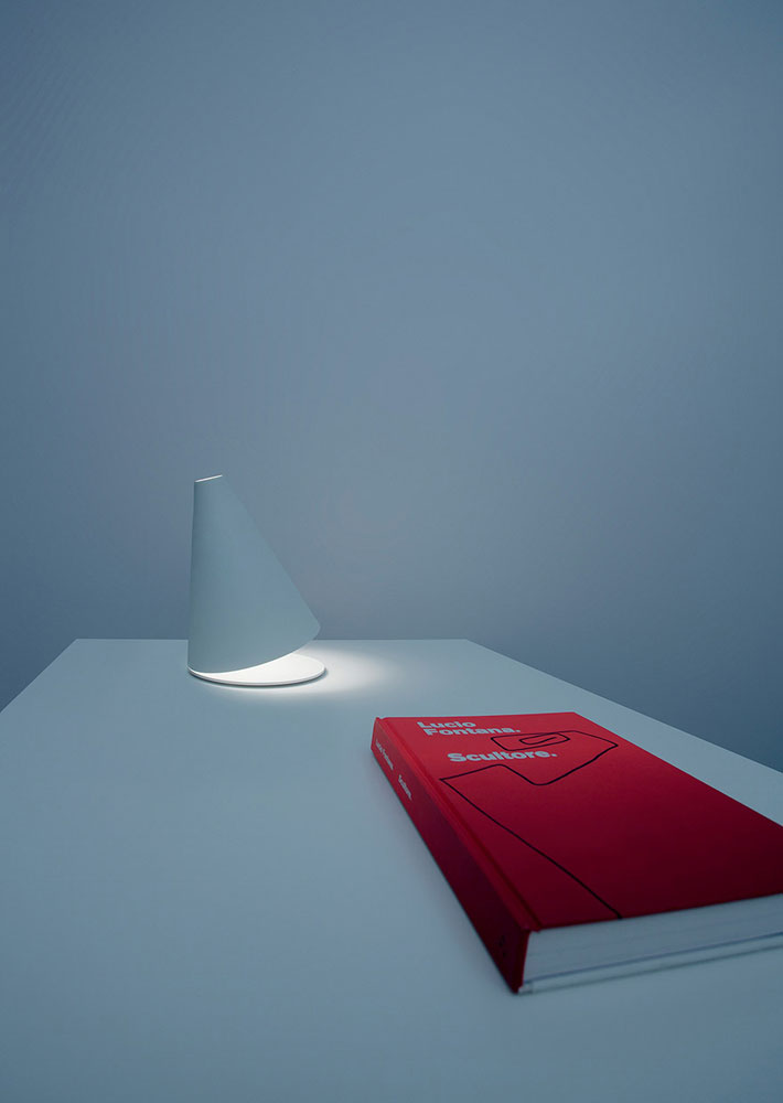 palpebra lamp by davide groppi