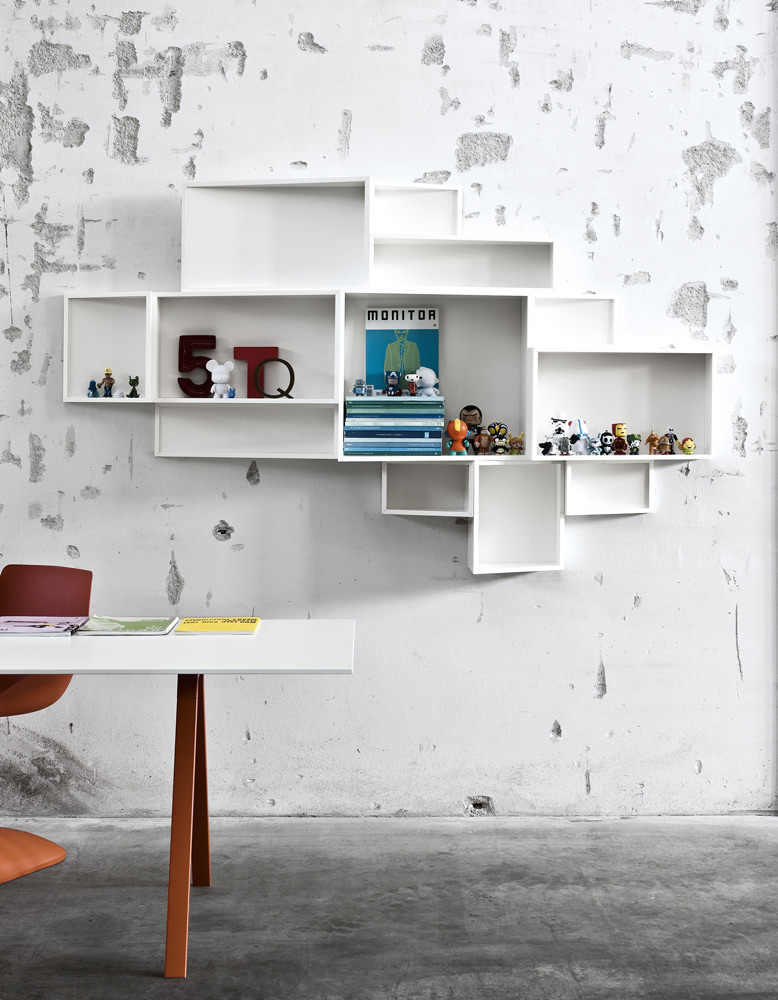 shellf bookshelf by kristalia