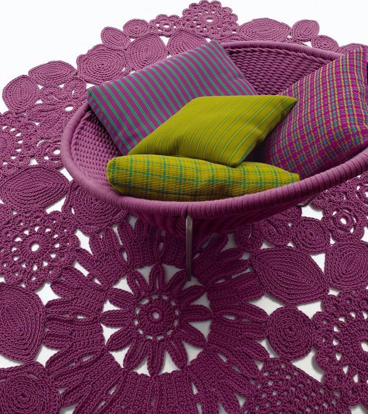 Crochet gets its name from the handicraft which has inspired this piece. In fact, this carpet is crocheted by hand. Designed by Patricia Urquiola, the renowned Spanish designer, who has imagined...