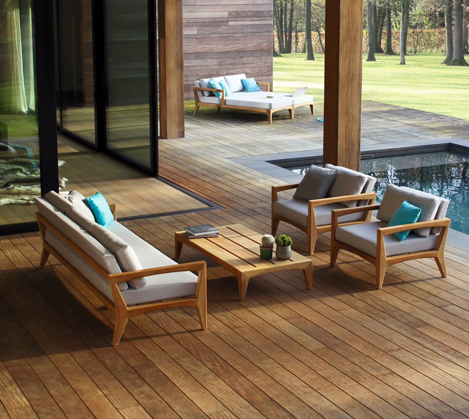 Zenhit is an elegant and contemporary collection of furniture for the outdoors. Teak wood is the main material used in all pieces.