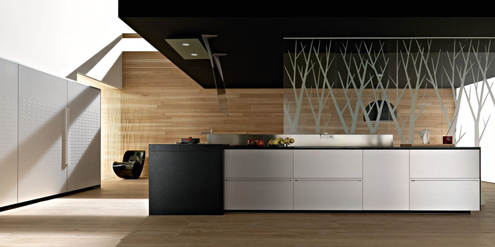 Artematica, one of the first Valcucine's modular kitchens, is characterized by the first single-block door. Artematica Multiline has dematerialised laminate doors, a unique lightweight and...