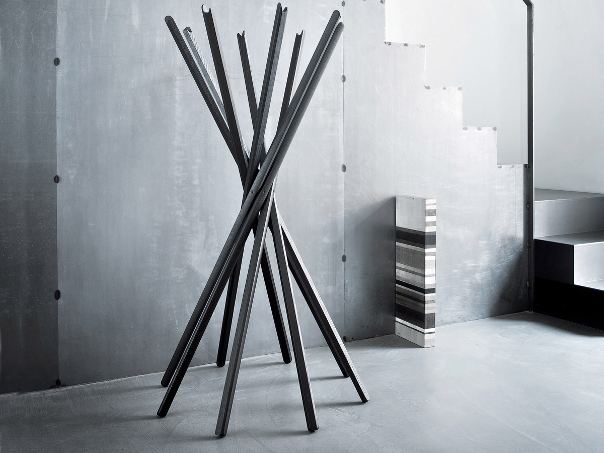 This coat stand is a clear reference to the traditional Chinese parlour game, Mikado. Design inspired by when two players start a new game by braking open a bundle of sticks. This coat stand can...