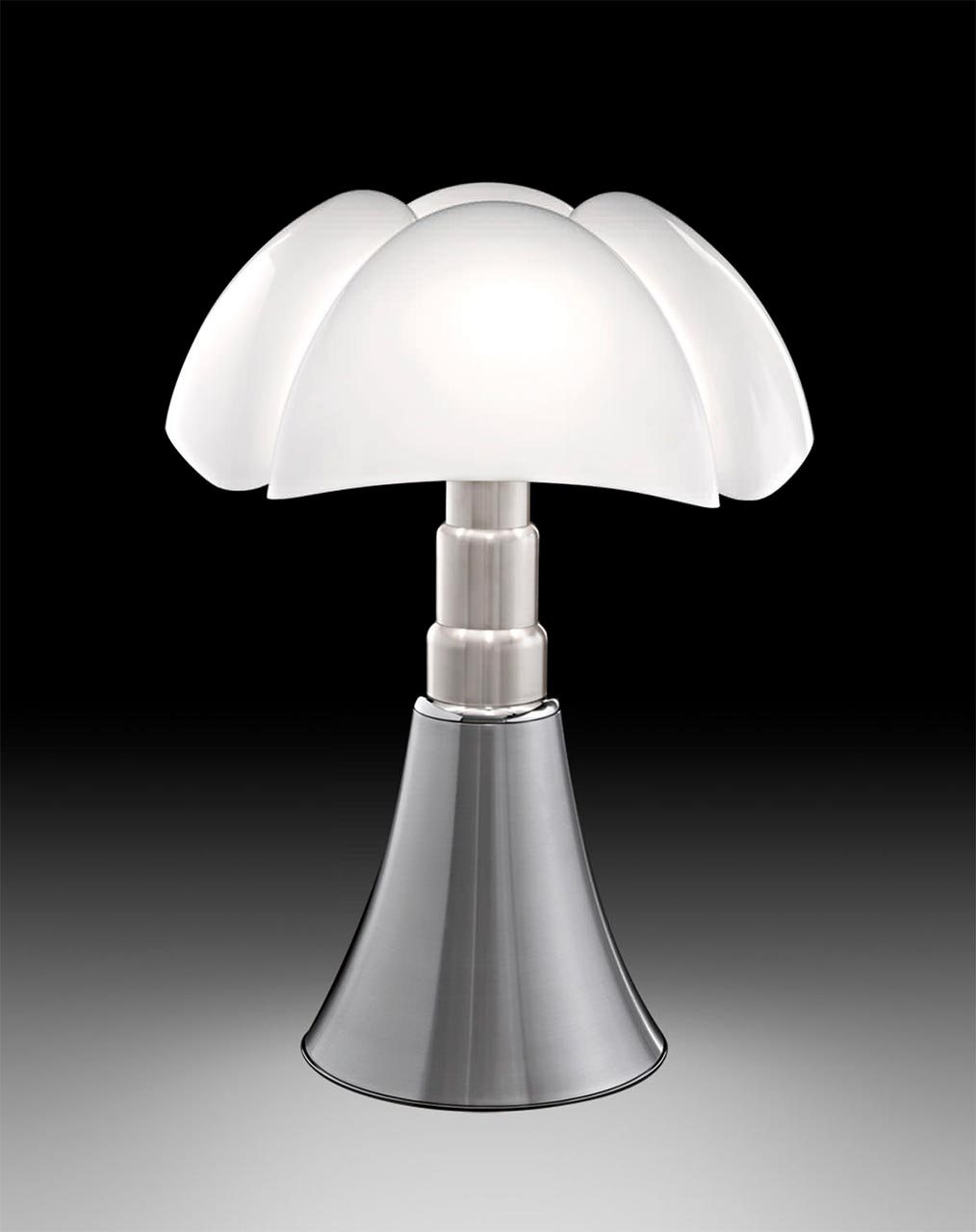 Gae Aulenti, lamp Pipistrello for Martinelli Luce (1965)