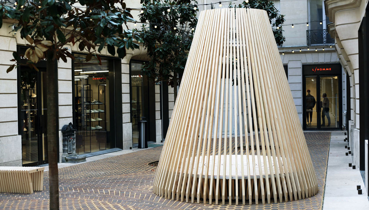 Hut, an installation by Marco Lavit for Ethimo in Paris.