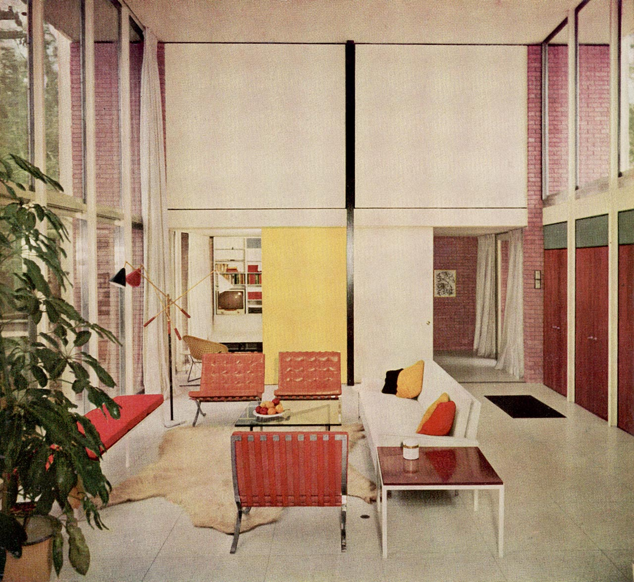 Florence Knoll, the history of a legend.