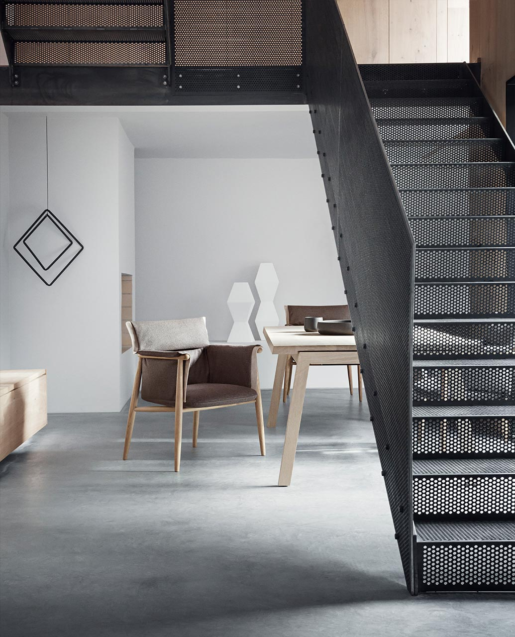 Mc Selvini, mostra Carl Hansen & Søn - Embrace Chair