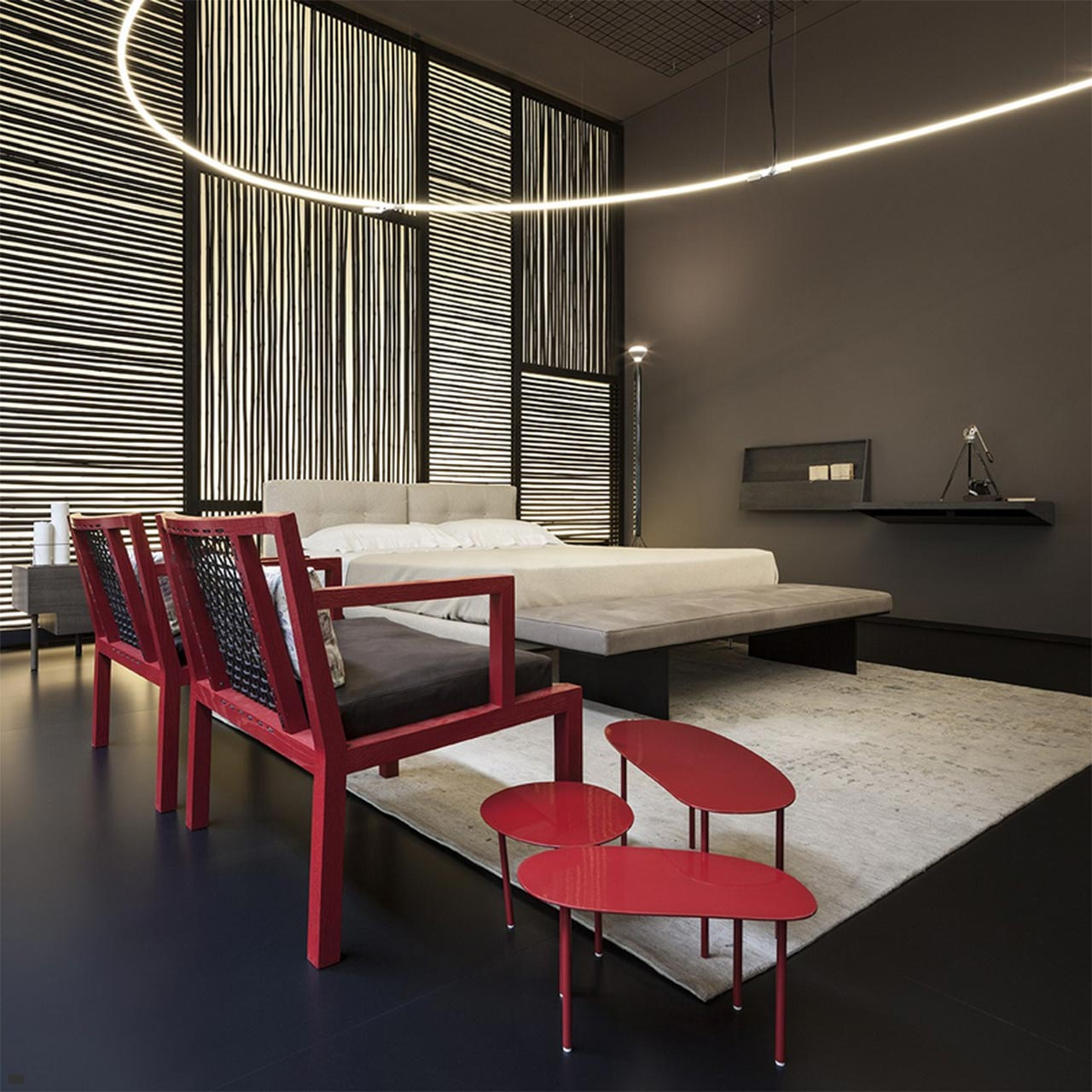Living divani conquers torre velasca in milan for Living spaces fontana