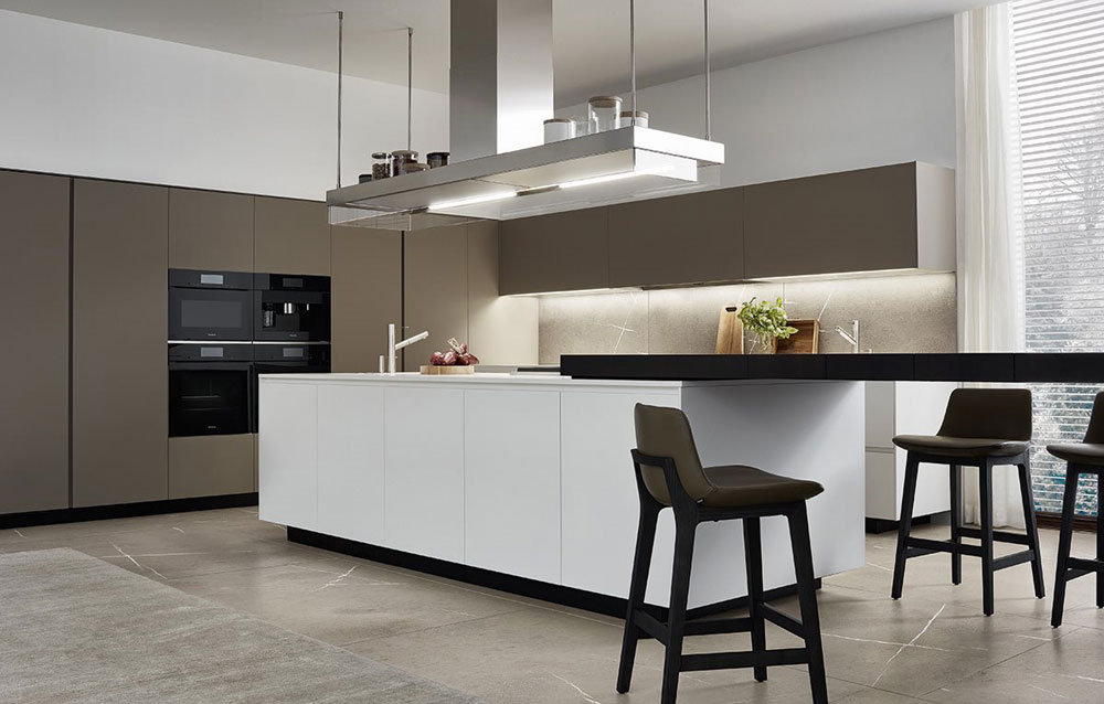 Technology makes you save time. Alea kitchen by Varenna