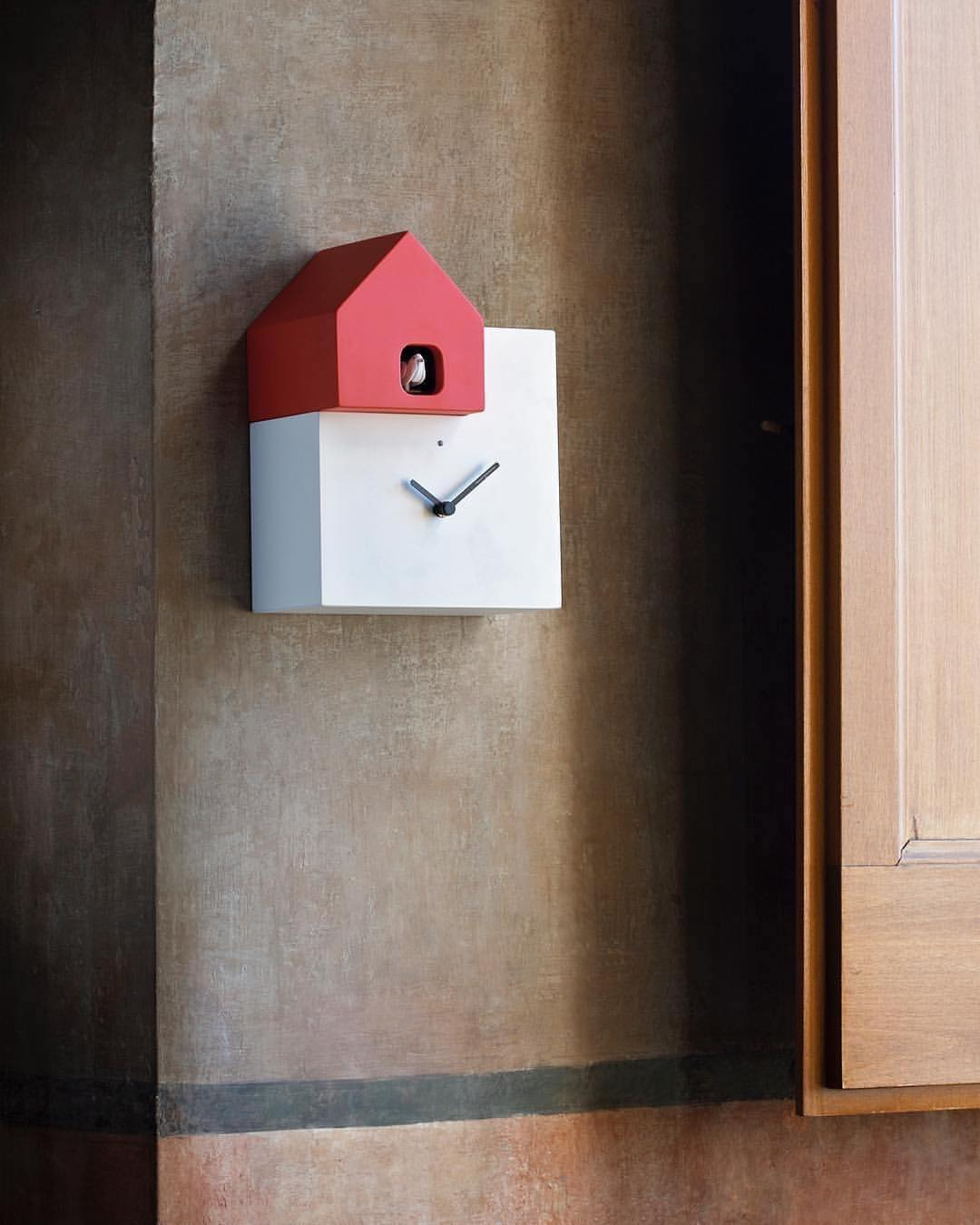 Ettore cuckoo clock, design Arianna Subri 2013, Diamantini Domeniconi