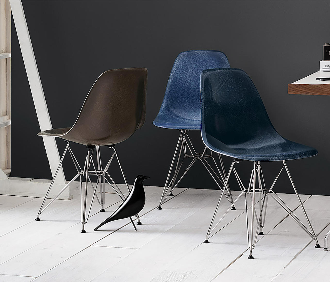 Eames Fiberglass chair, design Charles & Ray Eames, Vitra 1950, in Fiberglass 2018
