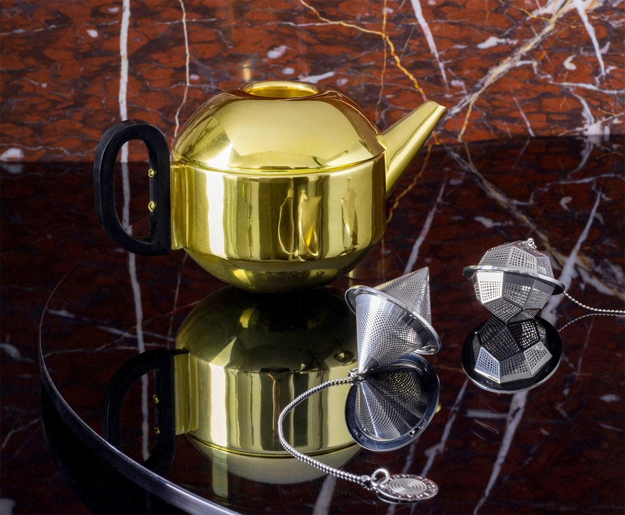Tom Dixon. Form Tea Pot