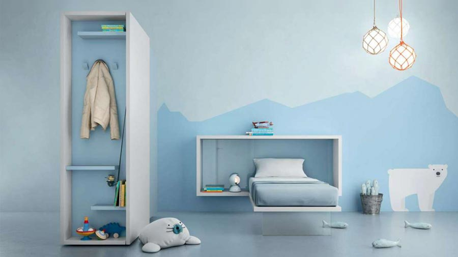 A bedroom in sky-blue where order and relaxation rule