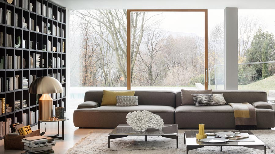 An oversized sofa for convivial moments