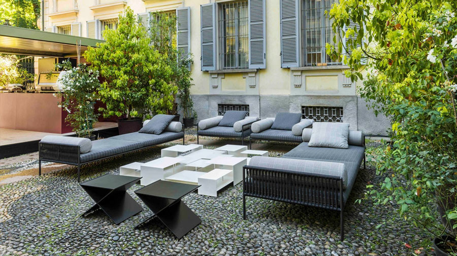 Pinstripes for your outdoor living room