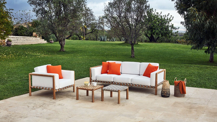 The woven outdoor lounge