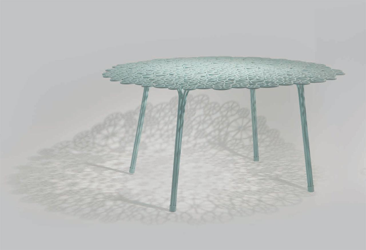 One table of the collection Estrela