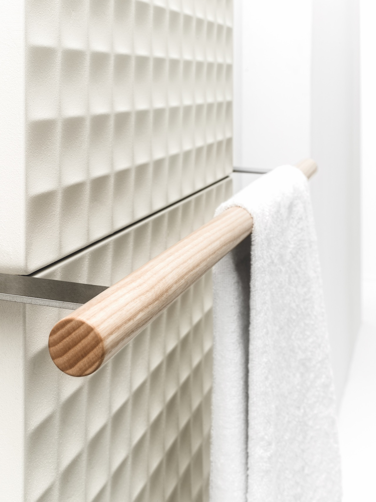 Waffle Radiator with handle, design Piero Lissoni 2020, Antrax IT