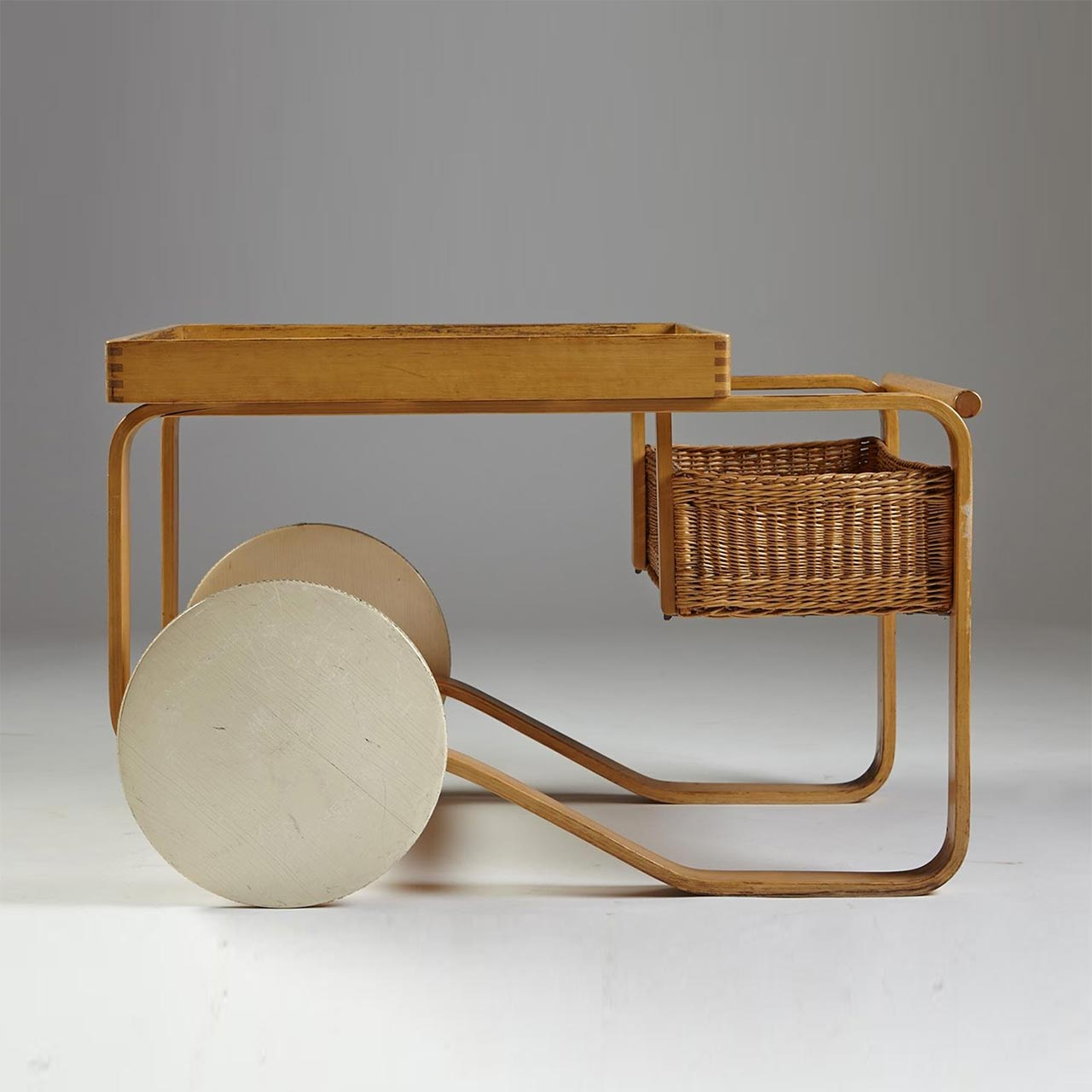 Artek, 900 drinks trolley