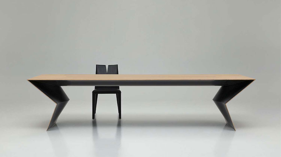 Blitz by B&B Italia, the sculptural table in a limited edition