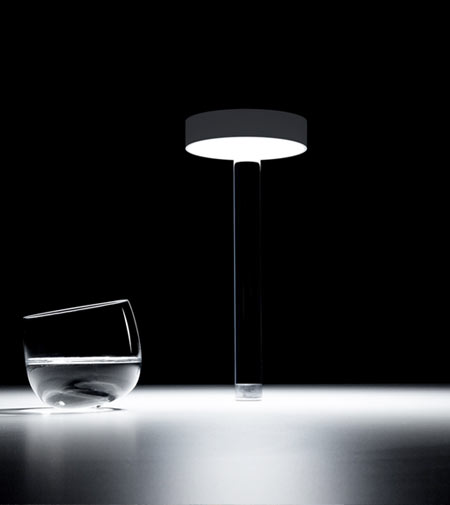 Tetatet Flûte by Davide Groppi, the new rechargeable table lamp