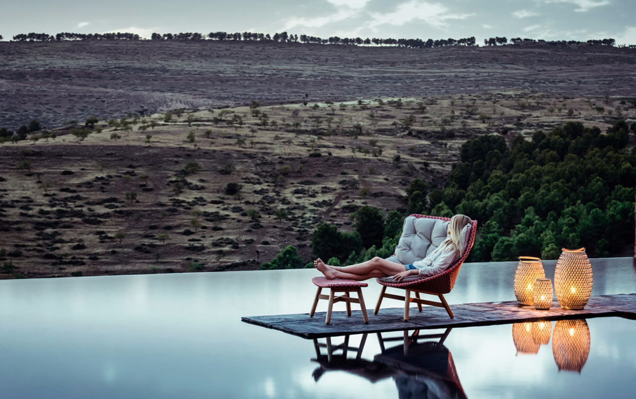 Outdoor Furniture Mbrace By Dedon