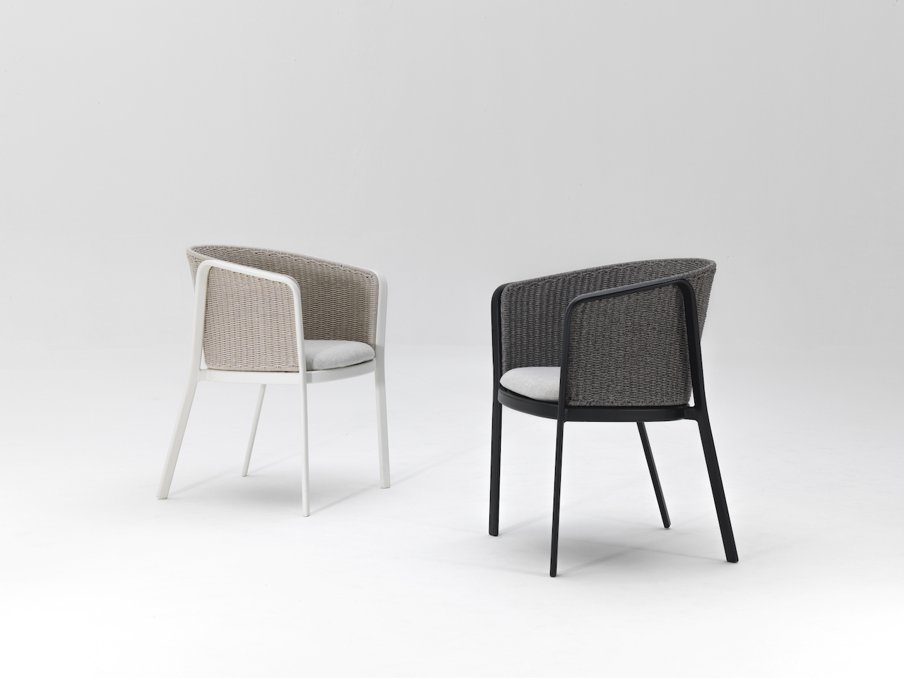 The dining chair version of the Carousel armchair. Design Sebastian Herkner 2019, Emu.