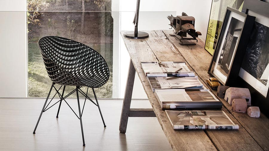 Smatrik by Kartell, the 3D evolution of a wicker armchair