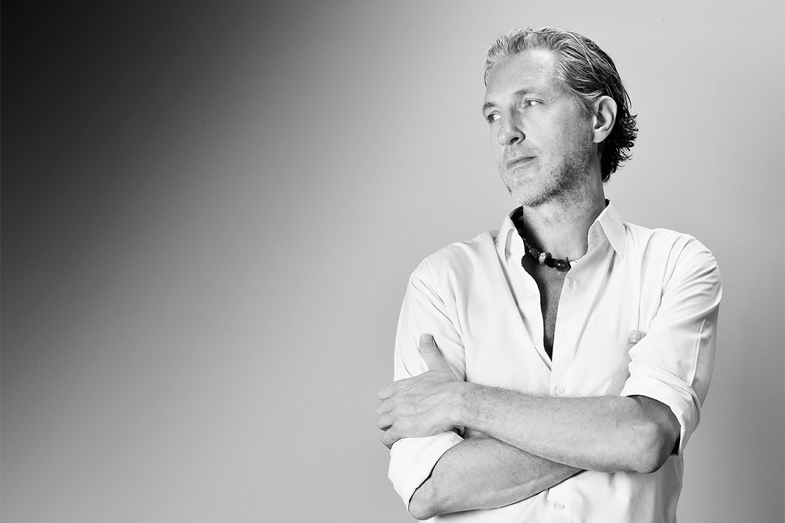 Marcel Wanders, the Dutch designer has created the entire Troy collection for Magis.