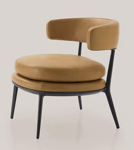 Caratos by Maxalto, a high-fashion armchair