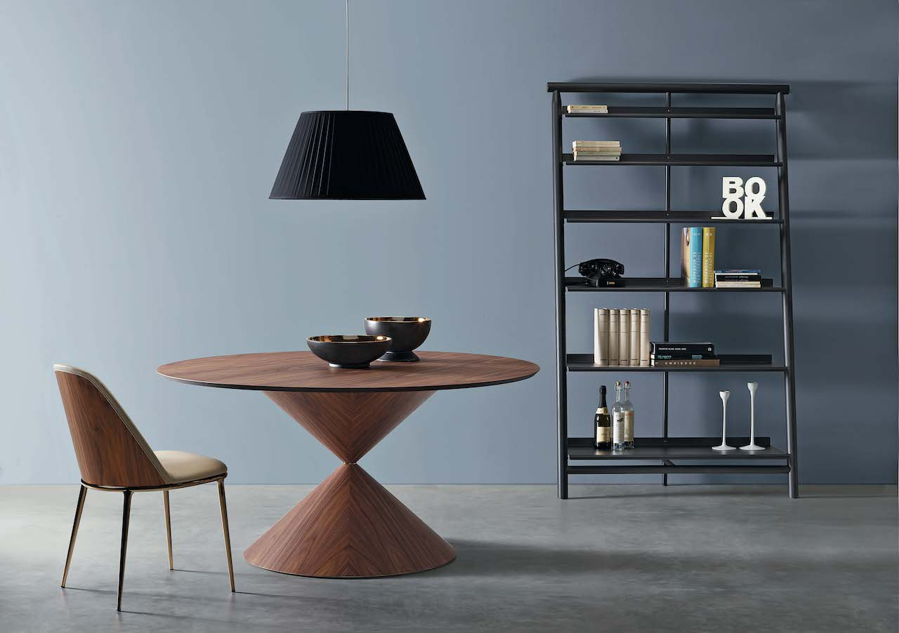 Suite bookcase in black. Design AtelierNanni 2019, Midj.