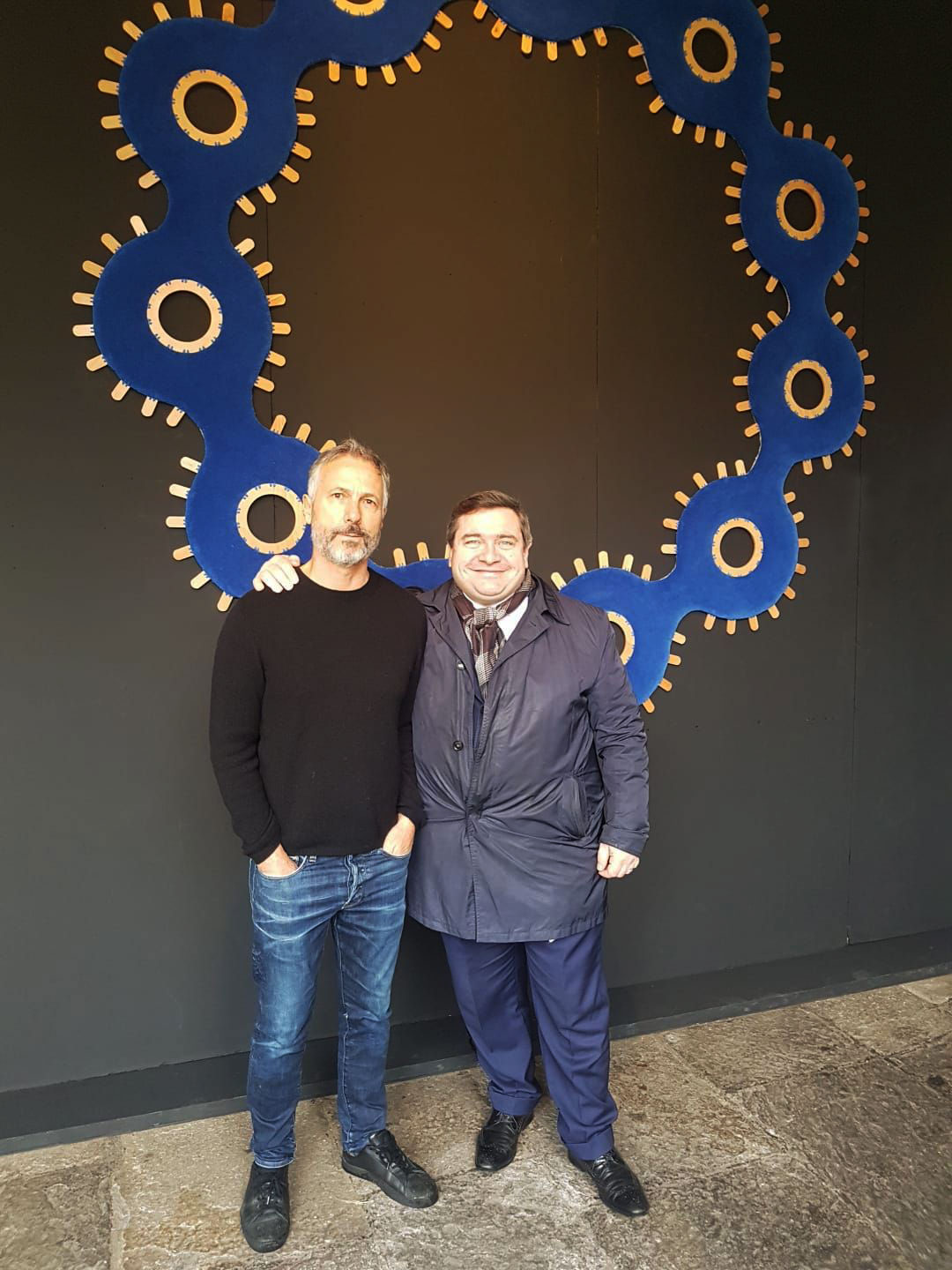 Humberto Campana and Andrea Galimberti from Nodus in front of the Collana carpet