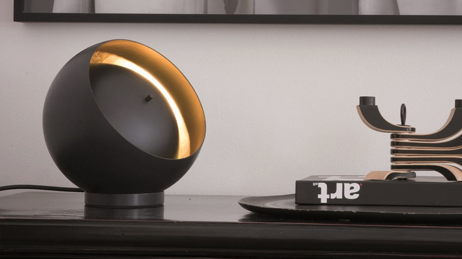 Eva by Oluce, the lamp inspired by the eclipses
