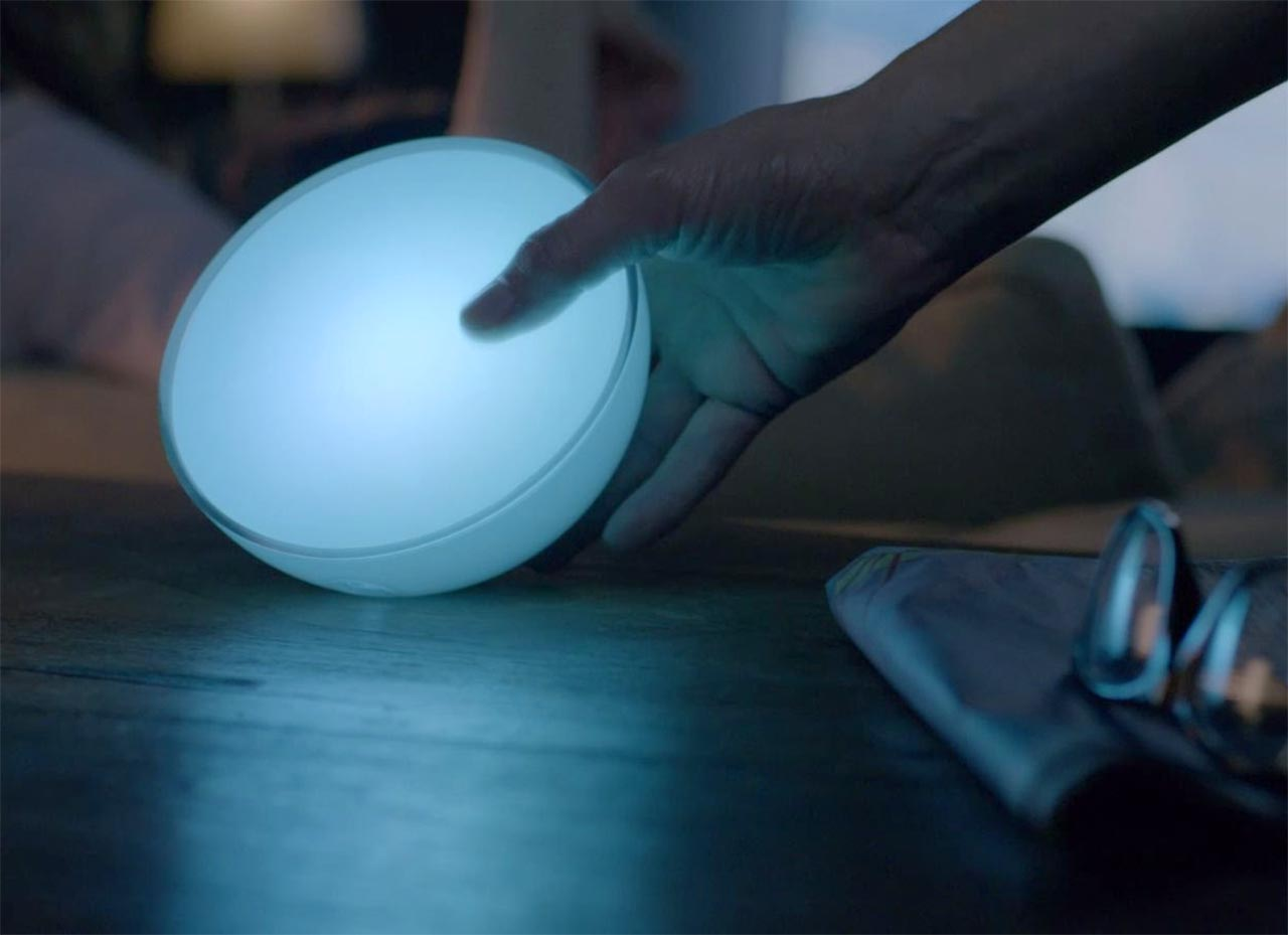 Philips Hue Go desk lamp 1