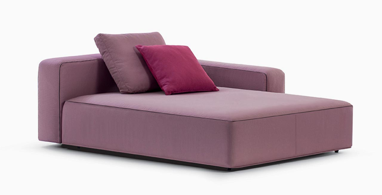 Dandy sofa in purple