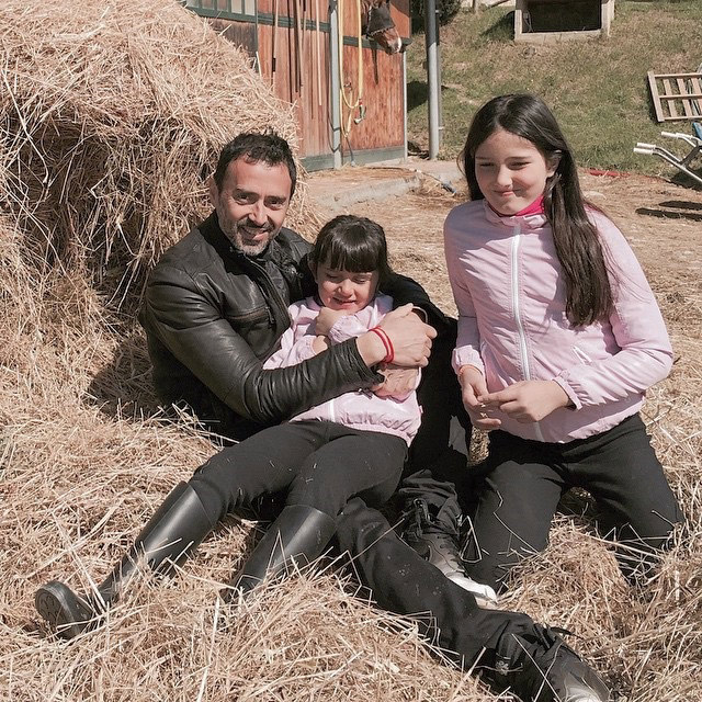At the riding stables with his daughters: Il Paretaio, Barberino, Val D'Elsa.