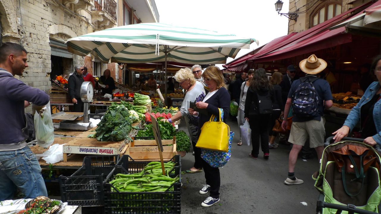 Market shopping in Ortigia, Siracusa