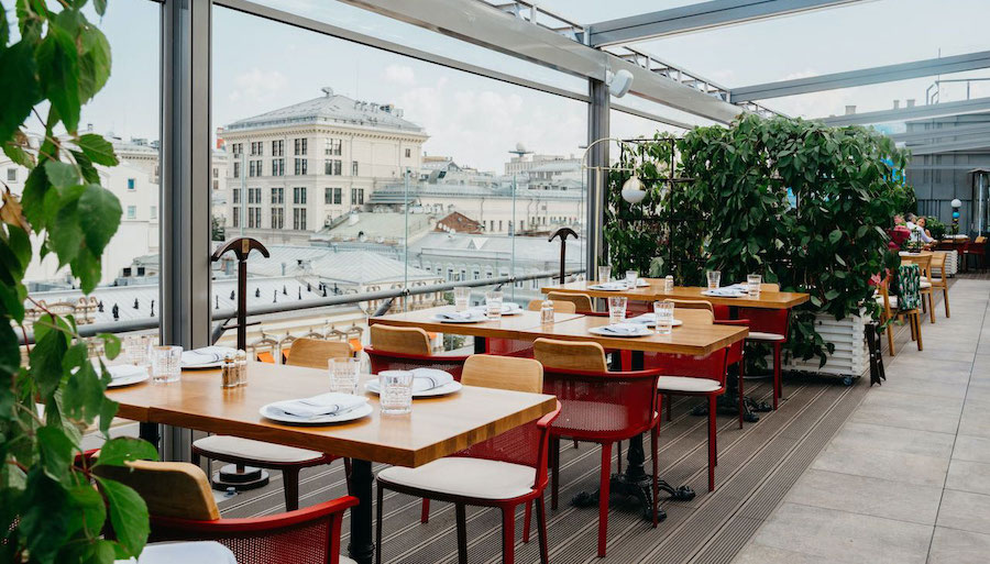 Buro Tsum: a rooftop table in Moscow