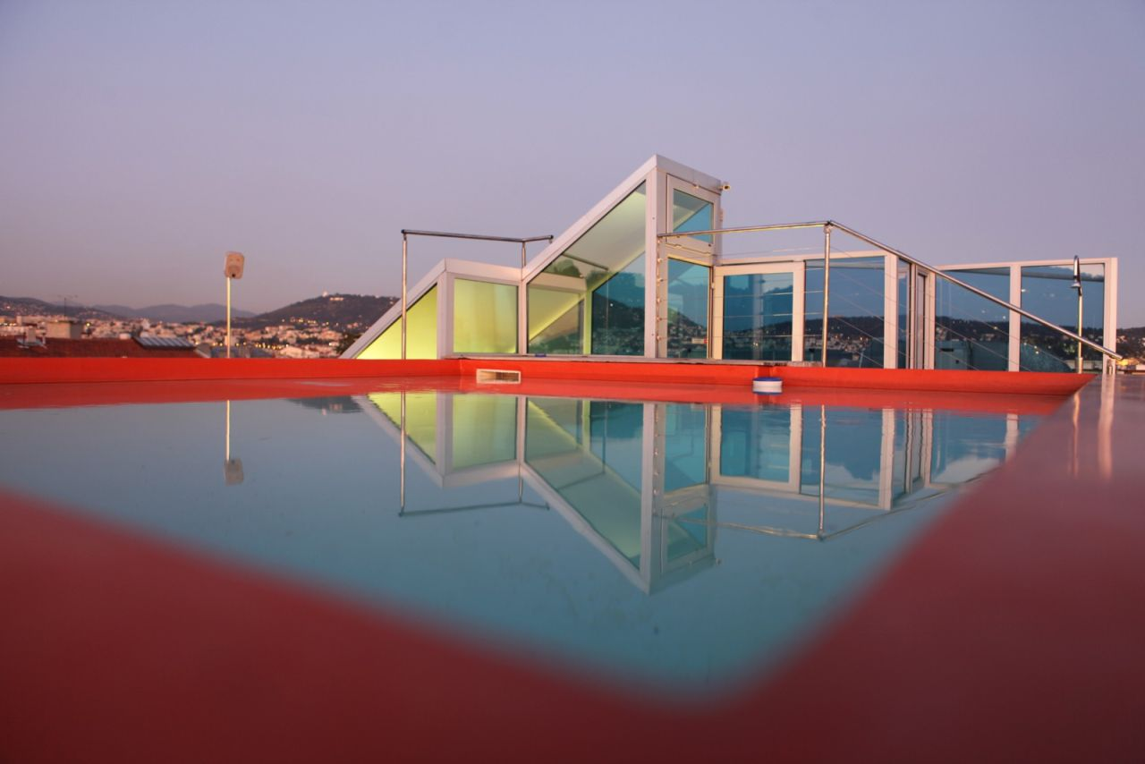 Hi hotel the hotel by matali crasset on the c te d 39 azur for Design hotel nice