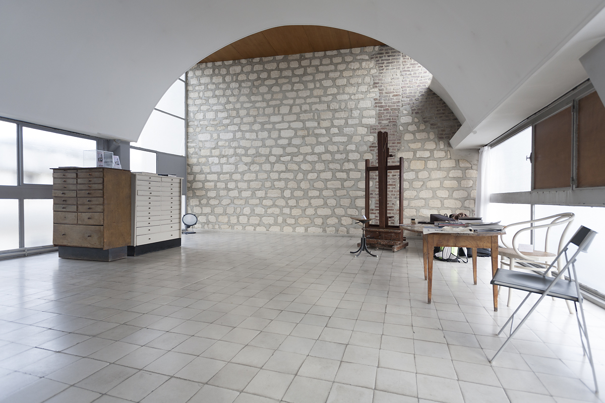 Visiting Le Corbusier\'s apartment - design studio
