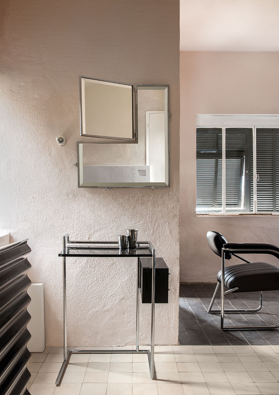 The Petite Coiffeuse and the Castellar mirror, manufactured by Classicon