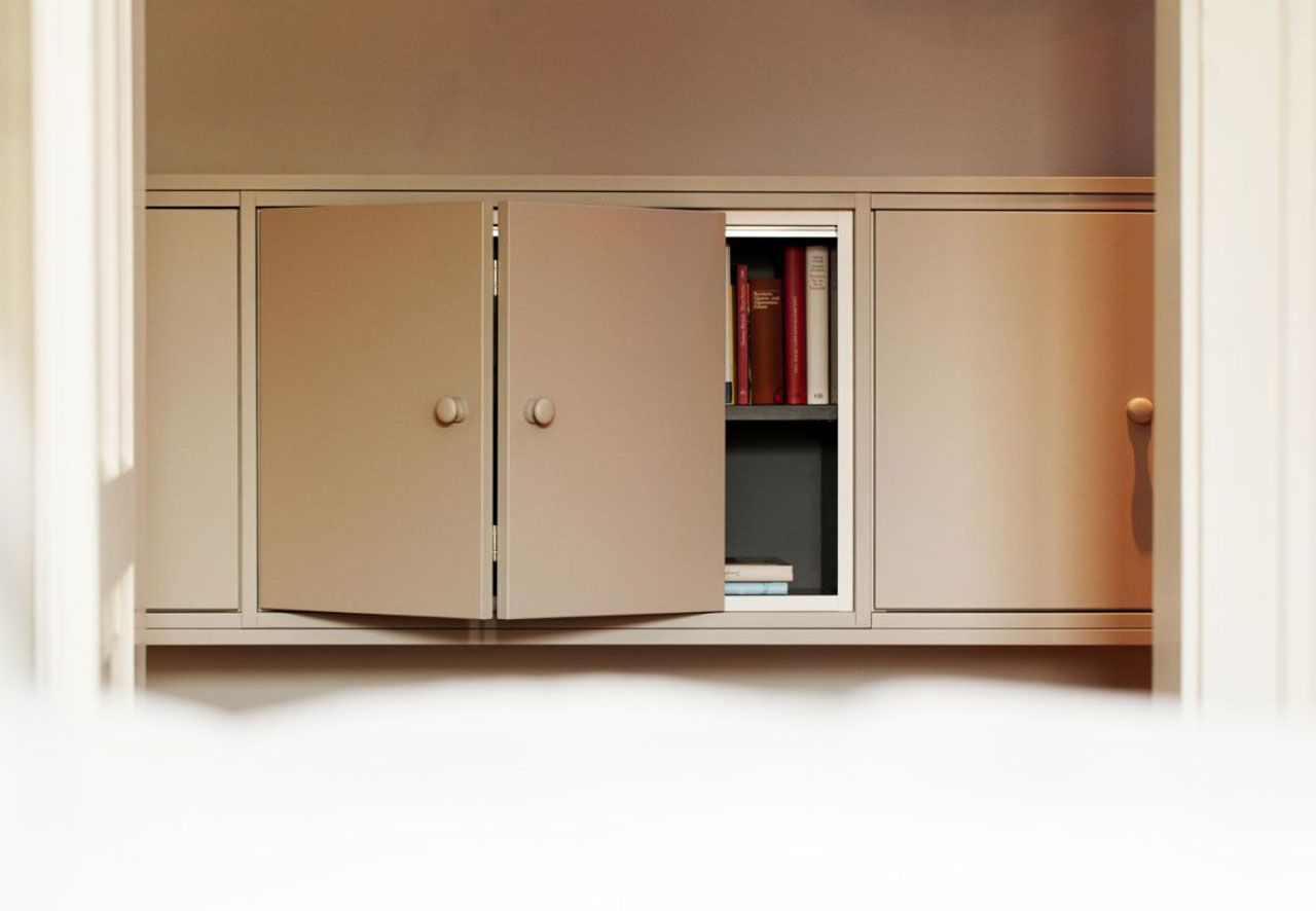 made-to-measure storage in the corridor