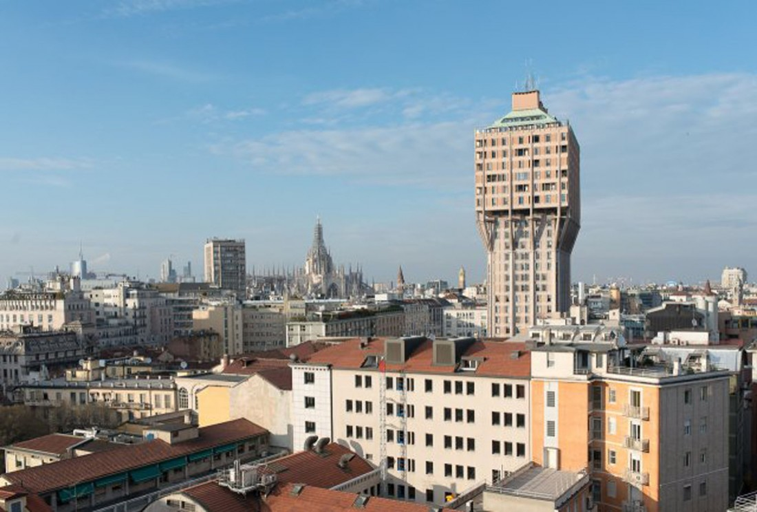 The penthouse is a stone's throw away from the famous Torre Velasca, built by Studio BBPR