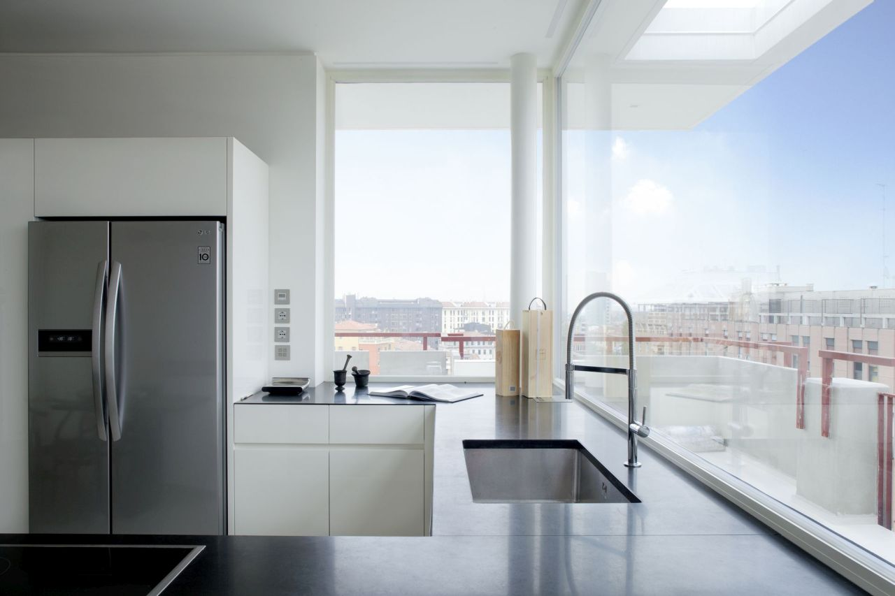 Refurbishment of penthouse in the city centre for Arredo design dal pozzo